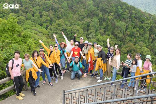 Khám phá thiên nhiên tươi đẹp tại Hải Vọng Đài - điểm cao nhất của đỉnh Bạch Mã