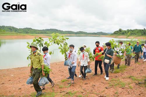 Hào hứng đi trồng rừng