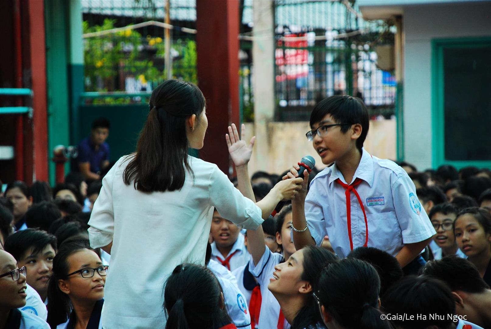 Học sinh hào hứng trả lời câu hỏi về Động thực vật quý hiếm ở Việt Nam