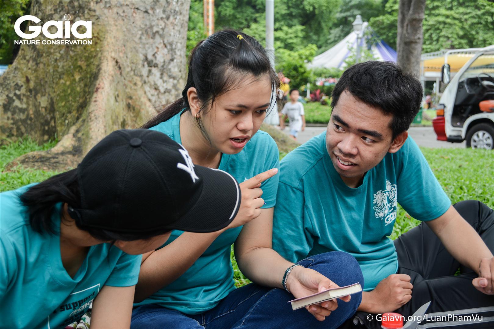 Cùng bàn luận về vai trò của Vườn thú trong việc bảo tồn các loài động vật hoang dã.