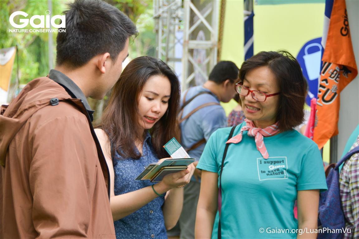 Người dân TP.HCM thăm quan khu vực triển lãm của Gaia.