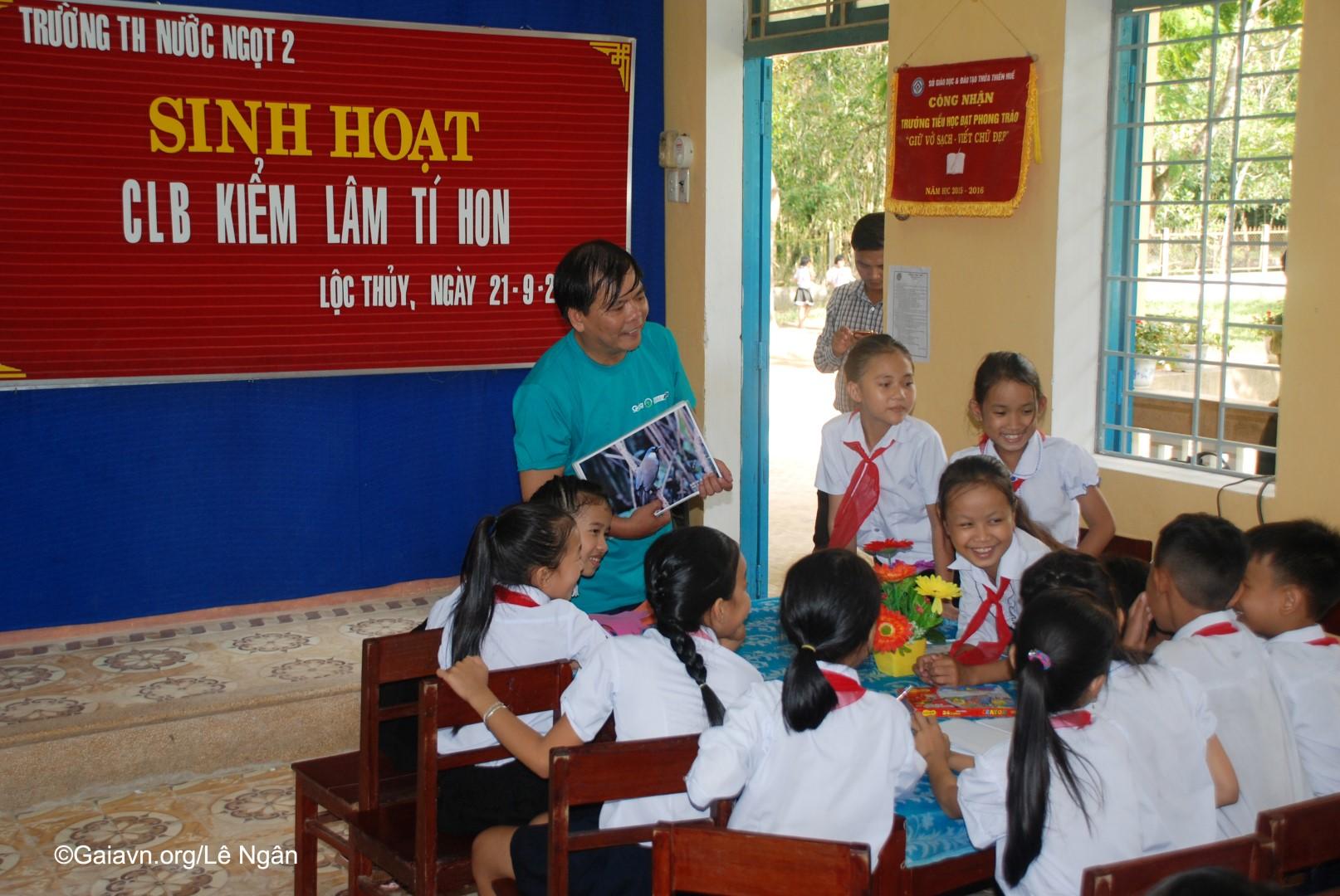 """Buổi sinh hoạt câu lạc bộ """"Kiểm lâm Tí Hon"""" tại trường Tiểu học Nước Ngọt 1"""
