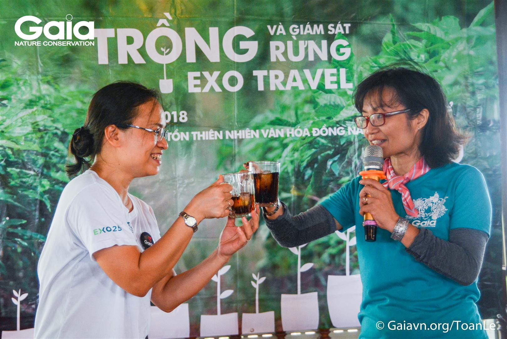 Đại diện Gaia và EXO Travel chúc mừng thành công ngày Trồng rừng