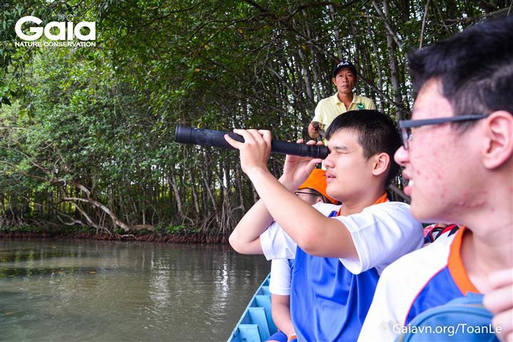 Quan sát các loài động vật hoang dã tại Đầm dơi.